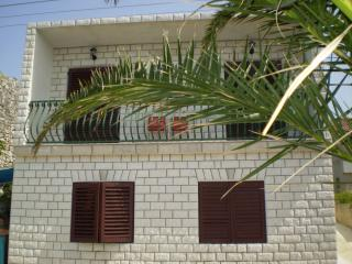 Adorable 2 bedroom Vacation Rental in Sucuraj - Sucuraj vacation rentals