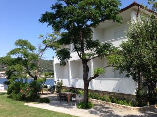 3656 A2(2+1) - Supetarska Draga - Supetarska Draga vacation rentals