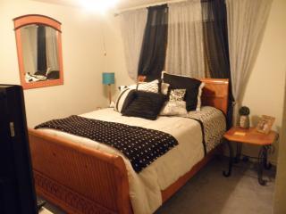 SW Dallas: Bedroom & Bath>Private, Spacious, Wifi* - DeSoto vacation rentals