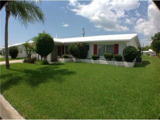 2 Bedroom 2 bath 1 Car Garage - Seminole vacation rentals