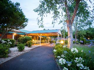 Bonville Lodge Pet Friendly B&B - 2 Bedrooms - Coffs Harbour vacation rentals