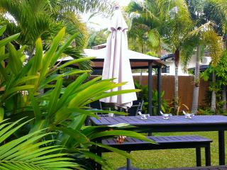 Trinity Tropical Oasis beach house Cairns - Cairns vacation rentals