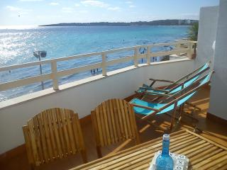 Front line Apartment Fantastic sea view Terrace - Cala Millor vacation rentals