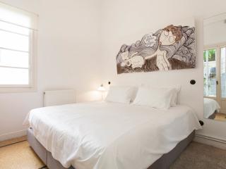 Boutique apartment. Walk to Acropolis. Roof Garden. - Athens vacation rentals