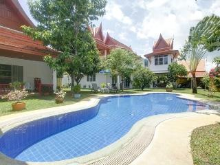 Romantic 1 bedroom Rawai Villa with Internet Access - Rawai vacation rentals