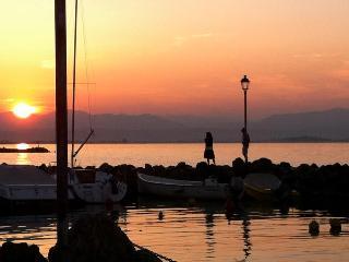 Vicinissimo Gardaland, Clinica Pederzoli, Caneva - Peschiera del Garda vacation rentals