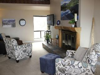 NL2733 Roomy Condo with Fireplace, Grill, covered parking, and Views Galore - Silverthorne vacation rentals