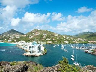 Luxury condo with marina view, relaxing outdoor terrace and full concierge - Dawn Beach vacation rentals