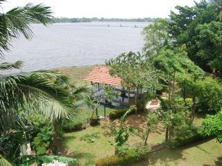 """Chateau Laverna"" splendid Lake front villa - Moratuwa vacation rentals"