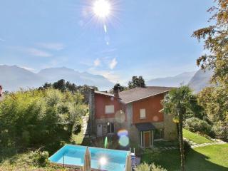 Bright 4 bedroom Menaggio Villa with Deck - Menaggio vacation rentals