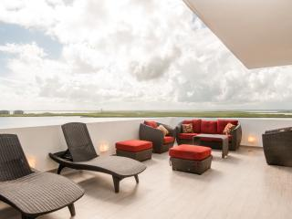 Penthouse #2704 - Spacious and Beautiful Penthouse - Cancun vacation rentals