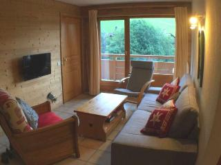 PISTES DU SOLEIL B 3 rooms + sleeping corner 6 persons - Le Grand-Bornand vacation rentals