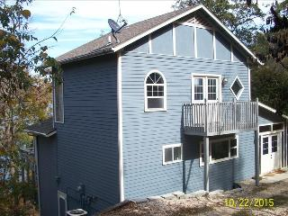 Fall Drive - Low Rates! Water Front on Beaver Lake Near Dam - 2 Remote Acres, Quiet Cove. - Eureka Springs vacation rentals