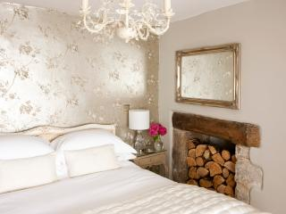 Luxury Boutique Cottage, Devon - Moorland View - North Bovey vacation rentals