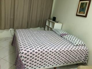 Apartamento com Closet no Posto 4 para 4 pessoas - Rio de Janeiro vacation rentals