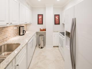 Spacious One Bedroom on Peachtree St (Central Downtown) - Atlanta vacation rentals
