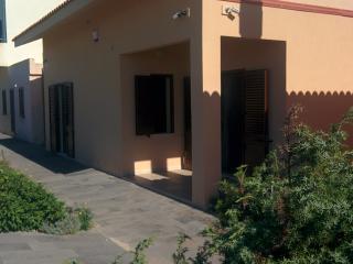 Confortevole appartartamento prima fila - San Giovanni di Sinis vacation rentals
