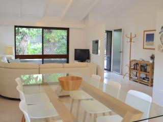Orangewood, Dog Friendly Beach House, Free WiFi - Peregian Beach vacation rentals