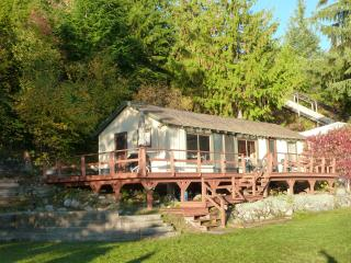 Queens Bay Hideaway - Balfour vacation rentals