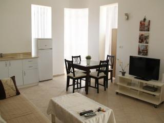 Dizengoff! 3 min from the beach! - Tel Aviv vacation rentals