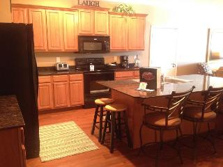 Fantastic 3 BR, 3 Bath Condo on Table Rock Lake with Dock Access - Hollister vacation rentals
