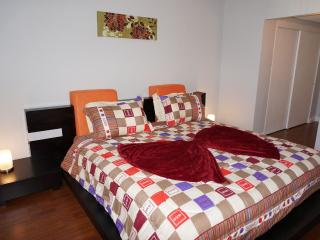 Ocean Dr Hollywood 1 bedroom 14/1 - Coconut Grove vacation rentals