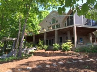 Blue Heron Getaway on Lake Gaston - Henrico vacation rentals