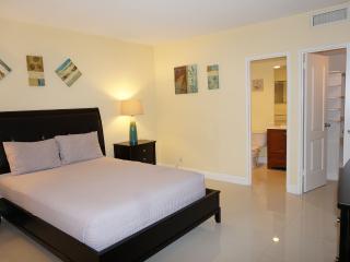 Ocean Dr Hollywood 2 bedroom 4/2 - Coconut Grove vacation rentals