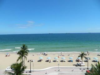 Ocenfront 1 king bed studio - The Atlantic - Fort Lauderdale vacation rentals