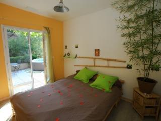 Suite Bambou Zen - Lambesc vacation rentals