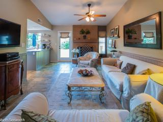 Scottsdale Desert Oasis - 3/2 large yard pets ok - Scottsdale vacation rentals