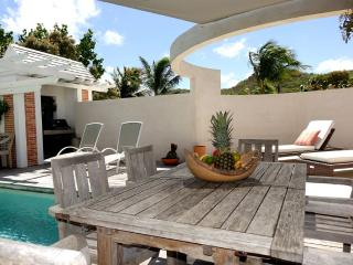 Comfortable Villa with Dishwasher and Housekeeping Included - Grande Saline vacation rentals