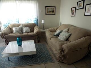 1 Bedroom 1 Bath Comfortable and Well located - Fort Lauderdale vacation rentals