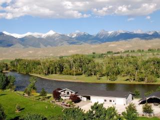 Salmon, Idaho: Diamond Creek Retreat Riverfront - Salmon vacation rentals