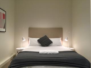 MELBOURNE CBD 5 STARS LUXURY APARTMENT - Melbourne vacation rentals