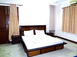 Adorable 8 bedroom Vacation Rental in New Delhi - New Delhi vacation rentals