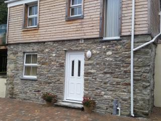 Romantic 1 bedroom Barn in Portreath with Internet Access - Portreath vacation rentals