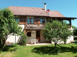 Cozy 2 bedroom Taize Gite with Internet Access - Taize vacation rentals