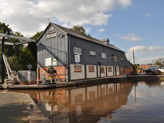 Canalside Apartment in historic mill - Nantwich vacation rentals