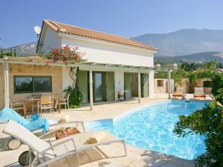 Ideales Resort Villa Petalida - Trapezaki vacation rentals
