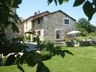Cottage Le Boulou on Domaine Le Repaire - Vieux-Mareuil vacation rentals