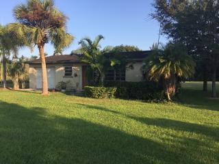 Quiet & Safe Redland Retreat - Homestead vacation rentals