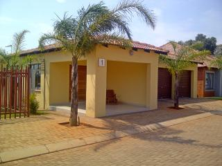 Self-catering 2 rooms with private bathroom - Roodepoort vacation rentals