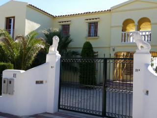 Apartment on ground floor of a private Villa. - L'Ametlla de Mar vacation rentals