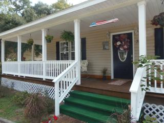 Coastal Breeze Cottage...close to everything!!! - Long Beach vacation rentals