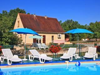 Gite Beynac avec piscine chaude collective - Orliaguet vacation rentals