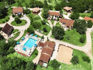 Chalet Genévrier avec piscine chauffée - Orliaguet vacation rentals