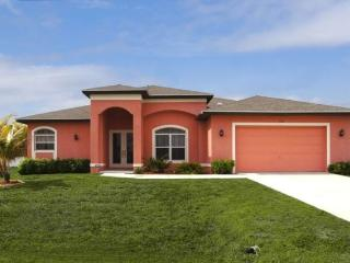 Beautiful Home In Sunny Cape Coral W/Heated Pool - Cape Coral vacation rentals
