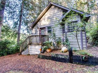 Beautiful dog-friendly home on the lake! Enjoy great views & a private dock! - Florence vacation rentals