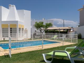 Amazing Vila Santo Estevão - Olhos de Agua vacation rentals
